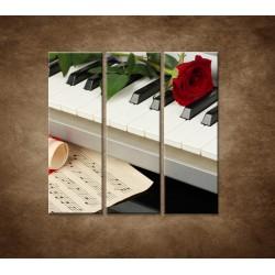 Obrazy na stenu - Piáno a ruža - 3dielny 90x90cm
