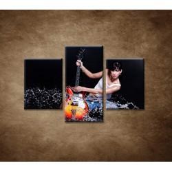 Obrazy na stenu  - Gitaristka - 3dielny 90x60cm