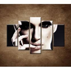 Obrazy na stenu - Tajomná žena - 5dielny 150x100cm
