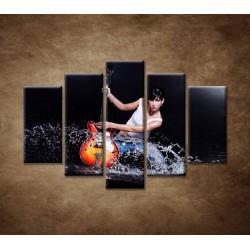 Obrazy na stenu - Gitaristka - 5dielny 150x100cm