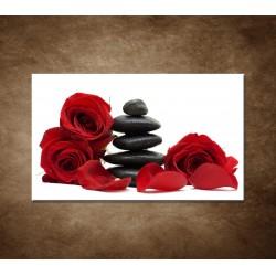Čierne kamene a červené ruže